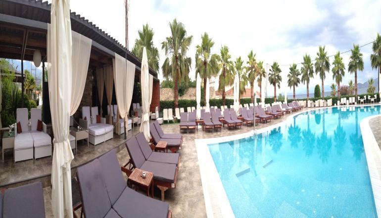 Πάσχα στο 5 αστέρων Valis Resort Hotel, στον Βόλο! Απολαύστε 4 ημέρες / 3 διανυκτερεύσεις ΚΑΙ για τα 2 Άτομα ΚΑΙ ένα Παιδί έως 12 ετών, με Ημιδιατροφή (Πρωινό σε Μπουφέ και Βραδινό) σε δίκλινο δωμάτιο, μόνο με 438€ από 876€ (Έκπτωση 50%)! Προσφέρεται Ανάστασιμο Δείπνο και ανήμερα του Πάσχα Εορταστικός Μπουφές με παραδοσιακό ψήσιμο του οβελία και Μουσική! Προσφέρεται Τσίπουρο και Mεζές για καλωσόρισμα, ένα Ayverda Massage διάρκειας 15 λεπτών και Ελεύθερη χρήση της Εσωτερικής Πισίνας και του Γυμναστηρίου! Παρέχεται Early check in και Late Check out κατόπιν διαθεσιμότητας! Υπάρχει δυνατότητα επιπλέον διανυκτέρευσης! εικόνα