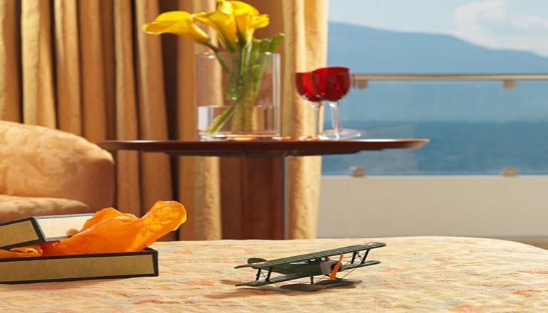 4* Porto Rio Hotel & Casino - Ρίο - 159€ από 318€ ( Έκπτωση 50%) ΚΑΙ για τις 3 ημέρες / 2 διανυκτερεύσεις ΚΑΙ για τα 2 Άτομα ΚΑΙ ένα Παιδί έως 12 ετών, στο 4 αστέρων Porto Rio Hotel & Casino, με Ημιδιατροφή (Πρωινό και Βραδινό σε Μπουφέ) ΚΑΙ Κρασί σε όλα τα γεύματα, σε δίκλινο δωμάτιο στο Ρίο! Απολαύστε 3 ημέρες πολυτέλειας! Υπάρχει δυνατότητα επιπλέον διανυκτέρευσης!