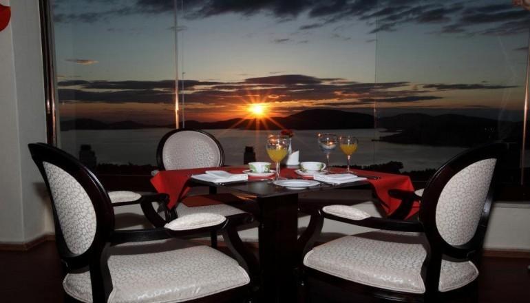 Χριστούγεννα, Πρωτοχρονιά και Φώτα στο 4 αστέρων Nevros Hotel Resort & Spa, στη Λίμνη Πλαστήρα! Απολαύστε 4 ημέρες / 3 διανυκτερεύσεις KAI για τα 2 Άτομα ΚΑΙ ένα Παιδί έως 5 ετών, με Ημιδιατροφή (Πρωινό και Βραδινό σε Μπουφέ) σε δίκλινο δωμάτιο με Τζάκι, με 349€ από 700€ ( Έκπτωση 50%)! Παραμονή Χριστουγέννων και Πρωτοχρονιάς παρέχεται Εορταστικό Gala! Προσφέρονται 2 ώρες Prive Spa με 2 ποτήρια Κρασί! Υπάρχει δυνατότητα επιπλέον διανυκτερεύσεων! εικόνα