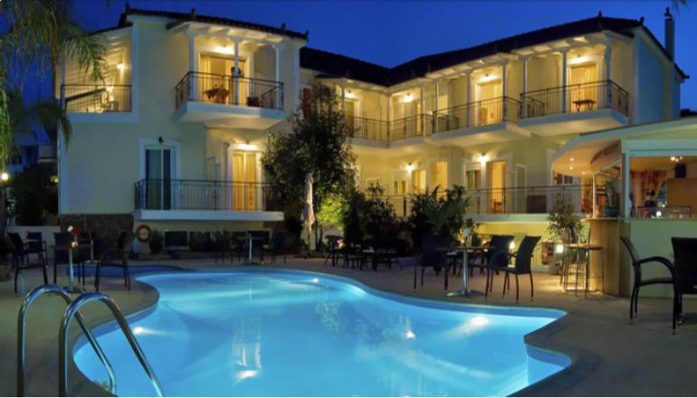 159€ από 318€ ( Έκπτωση 50%) ΚΑΙ για τις 4 ημέρες / 3 διανυκτερεύσεις ΚΑΙ για τα 2 Άτομα και ένα Παιδί έως 10 ετών στη Μεσσηνία 50m από τη Θάλασσα, σε Πλήρως Εξοπλισμένο Studio με Πρωινό στο Theoxenia Hotel! Παρέχεται Early check in και Late check out κατόπιν διαθεσιμότητας! Υπάρχει δυνατότητα επιπλέον διανυκτέρευσης! εικόνα