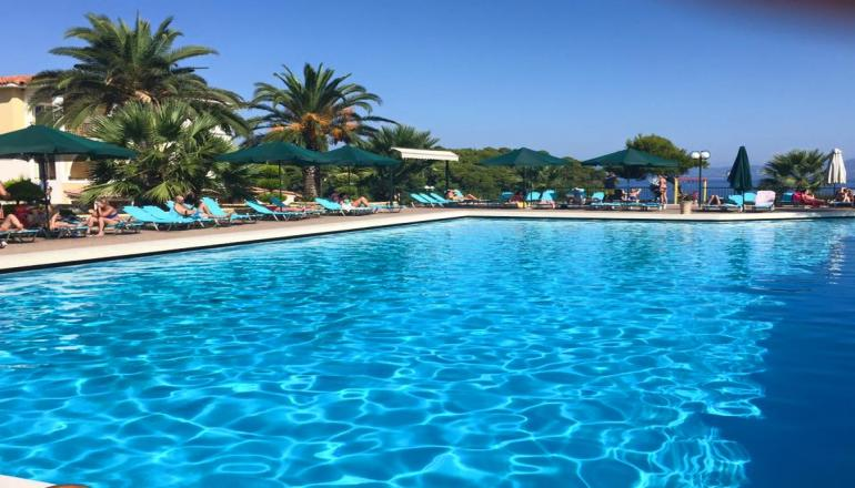 4* Aristoteles Beach Hotel - Χαλκιδική, Άφυτος ? -40% ? 4 Ημέρες (3 Διανυκτερεύσεις) ? 2 Άτομα ΚΑΙ 2 Παιδιά ένα έως 12 και ένα έως 6 ετών ? All Inclusive ? 11/07/2019 έως 25/07/2019 και 01/09/2019 έως 10/09/2019 ? Κοντά σε Παραλία!