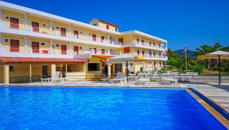 Αποδραστε στην Κερκυρα για 4 ημερες / 3 διανυκτερευσεις KAI για τα 2 Άτομα ΚΑΙ ενα Παιδι εως 6 ετων, με Ημιδιατροφη (Πρωινο και Βραδινο σε Μπουφε) σε Double Room στο Prassino Nissi Hotel! Υπαρχει δυνατοτητα επιπλεον διανυκτερευσεων!
