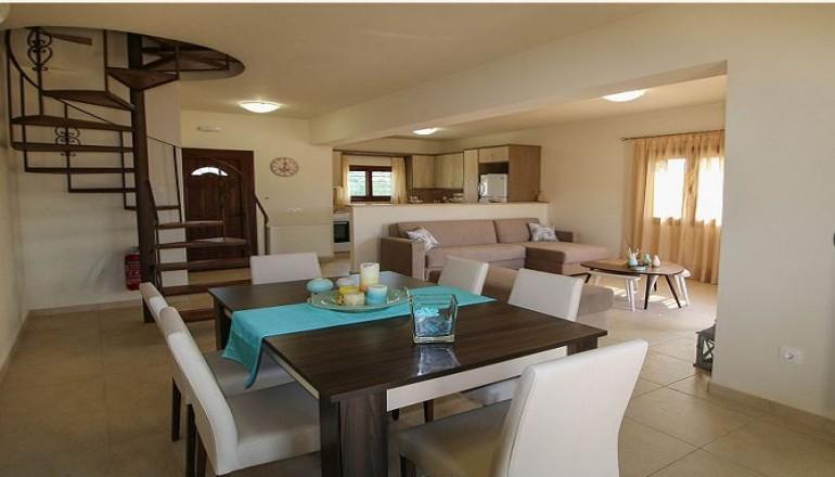 Πασχα στο Gr8 Luxury Villas Complex μολις 100m απο το κυμα, στην Ερμιονιδα! Απολαυστε 4 ημερες / 3 διανυκτερευσεις για εως ΚΑΙ 6 Άτομα σε πληρως εξοπλισμενη Luxury Villa με Θεα στη Θαλασσα η οποια περιλαμβανει Κεντρικη θερμανση, πλυντηριο ρουχων, σιδερο ρουχων, σιδερωστρα, σεσουαρ μαλλιων, τηλεορασεις led 32'' στο καθιστικο και 24'' στα υπνοδωματια, κουζινα πληρως εξοπλισμενη, Wi-fi και ιδιωτικο Κηπο, μονο με 420€ απο 840€ (Έκπτωση 50%)…