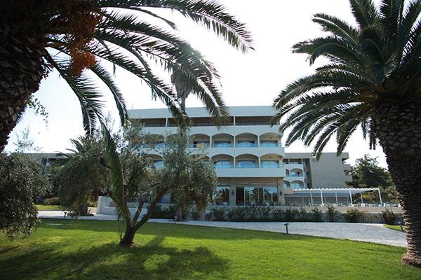 Kassandra Palace Hotel & Spa – Χαλκιδικη ✦ 4 Ημερες (3 Διανυκτερευσεις) ✦ 2 Άτομα ✦ Ημιδιατροφη ✦ 11/06 εως 20/06 και 13/09 εως 27/09 ✦ Free wi-fi