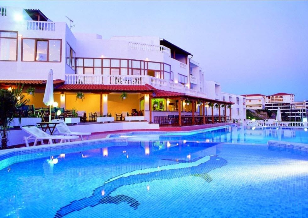 4* Akti Ouranoupoli Beach Resort - Χαλκιδική, Ουρανούπολη   -51%   4 Ημέρες (3 Διανυκτερεύσεις)   2 άτομα + 1 παιδί έως 6 ετών   Πλήρης Διατροφή   έως 23/07/2019 και 25/08 έως 31/08   Μπροστά στην Παραλία!