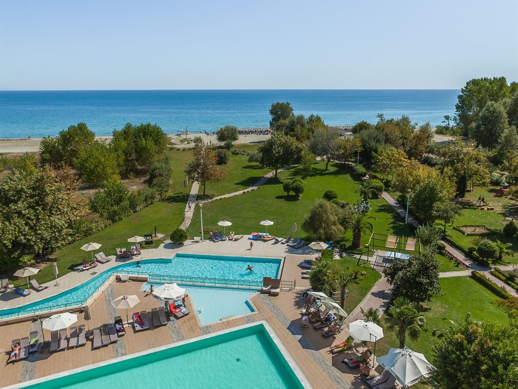 4* Bomo Club Olympus Grand Resort - Λεπτοκαρυά Πιερίας ✦ -40% ✦ 4 Ημέρες (3 Διανυκτερεύσεις) ✦ 2 Άτομα ΚΑΙ ένα Παιδί έως 12 ετών ✦ All Inclusive ✦ Πάσχα (26/04/2019 έως 29/04/2019) ✦ Παρέχονται Δωρεάν ξαπλώστρες και ομπρέλες στην πισίνα και στην παραλία!