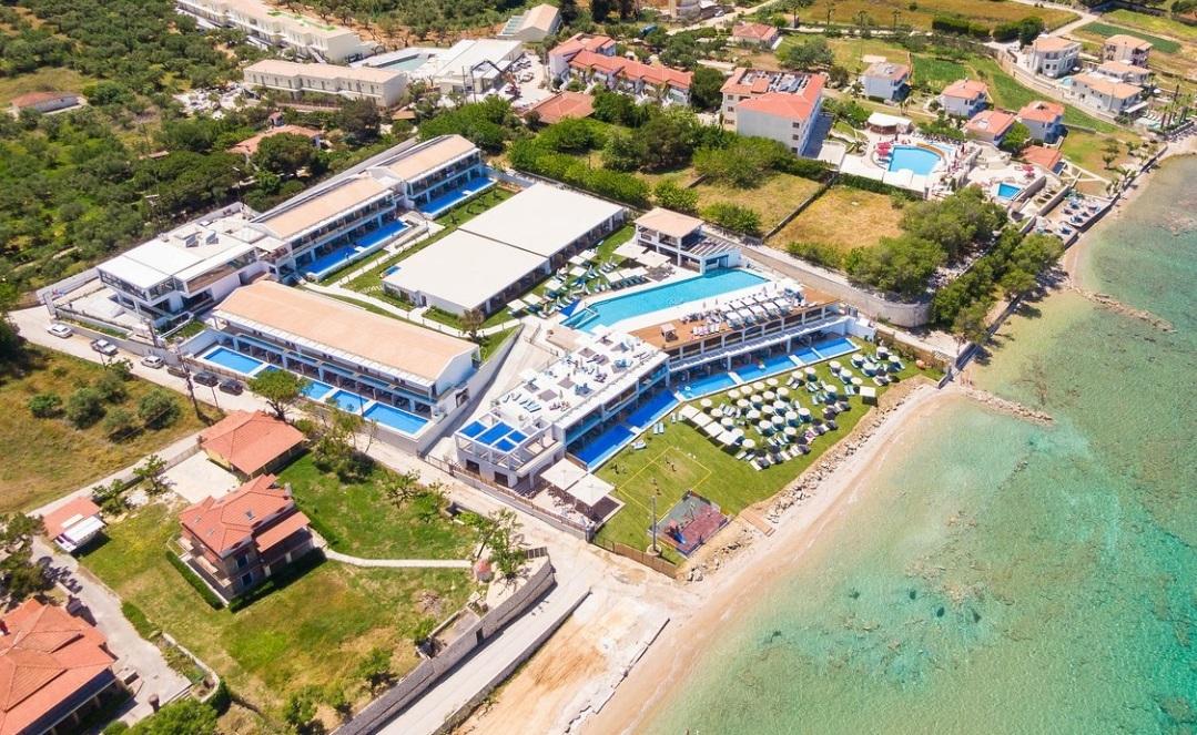 4* Cavo Orient Beach Hotel - Ζακυνθος ✦ -57% ✦ 4 Ημερες (3 Διανυκτερευσεις) ✦ 2 Άτομα + 2 παιδια εως 12 ετων ✦ Πληρης Διατροφη + Ποτα ✦ εως 30/09/2019 ✦ Ιδιωτικη πισινα!