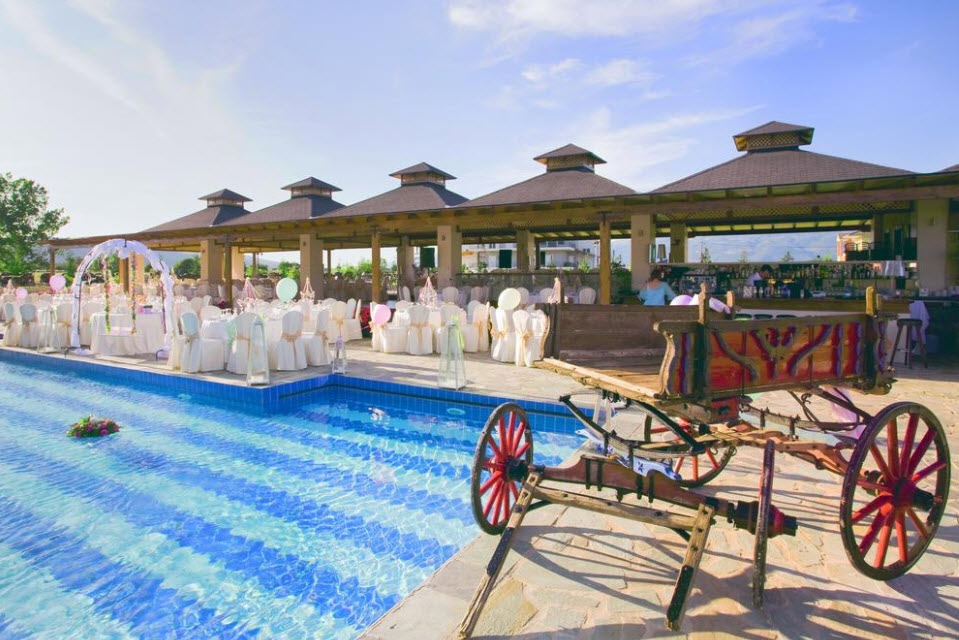 4* Cezaria Hotel - Ιωάννινα ✦ -50% ✦ 2 Ημέρες (1 Διανυκτέρευση) ✦ 2 Άτομα ΚΑΙ ένα Παιδί έως 12 ετών ✦ Πρωινό ✦ Έως 22/12/2019 ✦ Early check in και Late check out κατόπιν διαθεσιμότητας!