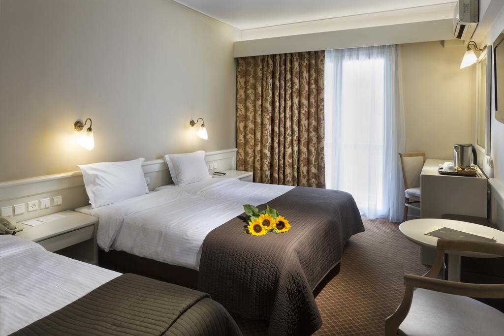 4* Coral Hotel – Παλαιο Φαληρο ✦ -40% ✦ 3 Ημερες (2 Διανυκτερευσεις) ✦ 2 Άτομα ✦ Ημιδιατροφη ✦ εως 31/08/2018 ✦ Μπροστα στην Παραλια!