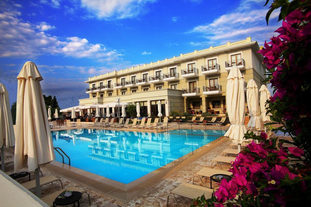 4* Danai Hotel & Spa - Παραλία Κατερίνης ✦ -30% ✦ 3 Ημέρες (2 Διανυκτερεύσεις) ✦ 2 άτομα + 1 παιδί έως 12 ετών ✦ Ημιδιατροφή ✦ 01/06 έως 03/07 και 16/09 έως 30/09 ✦ Δωρεάν 1 μπουκάλι κρασί στο βραδινό γεύμα σας!