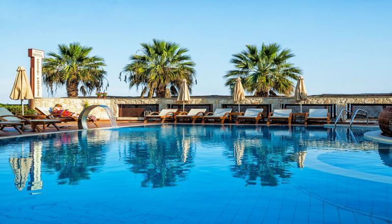 ALL INCLUSIVE την Πρωτομαγιά στην Χαλκιδική, στο 4 αστέρων Xenios Possidi Paradise Hotel του Ομίλου Xenios Ventures Hotels ΚΑΙ για τις 3 ημέρες / 2 διανυκτερεύσεις KAI για τα 2 Άτομα σε δίκλινο δωμάτιο με Θέα στον Κήπο, μόνο με 154€ από 308€ ( Έκπτωση 50%)! Προσφέρεται Πρωινό, Μεσημεριανό και Βραδινό σε Μπουφέ, Απεριόριστη Κατανάλωση σε Καφέ, Τσάι, Αναψυκτικά, Ούζο, Τσίπουρο, Μπύρα, Κρασί, Ποτά και Παγωτό! Υπάρχει δυνατότητα επιπλέον διανυκτέρευσης!