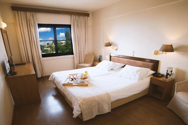 4* Portaria Hotel - Πορταριά Πηλίου ✦ 4 Ημέρες (3 Διανυκτερεύσεις) ✦ 2 άτομα + 1 παιδί έως 12 ετών ✦ Πρωινό ✦ Εορτές (27/12/2020 έως 29/12/2020) και Φώτα (03/01/2021 έως 06/01/2021) ✦ Early check in και Late check out κατόπιν διαθεσιμότητας!
