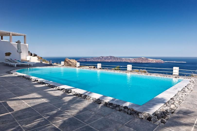 4* Rocabella Santorini Hotel & SPA - Σαντορίνη ✦ -62% ✦ 3 Ημέρες (2 Διανυκτερεύσεις) ✦ 2 άτομα ✦ Πρωινό ✦ 01/07/2021 έως 31/07/2021 ✦ Υπέροχη Τοποθεσία!