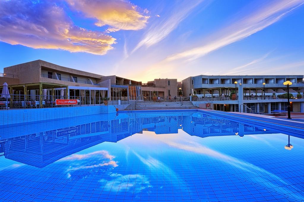 4* Santa Marina Beach Hotel - Ηράκλειο, Κρήτη ✦ 2 Ημέρες (1 Διανυκτέρευση) ✦ 2 άτομα + 1 παιδί έως 11 ετών ✦ Πρωινό ✦ έως 30/06/2021 ✦ Μπροστά στην Παραλία!