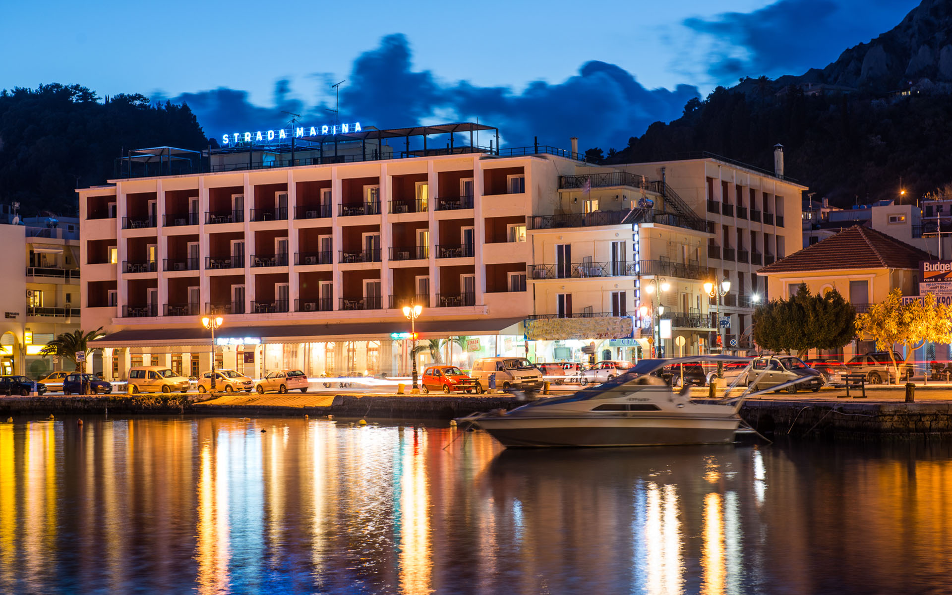 4* Strada Marina Hotel - Ζάκυνθος ✦ 4 Ημέρες (3 Διανυκτερεύσεις) ✦ 2 άτομα ✦ Πρωινό ✦ 01/07/2021 έως 31/08/2021 ✦ Στο κέντρο της πόλης!