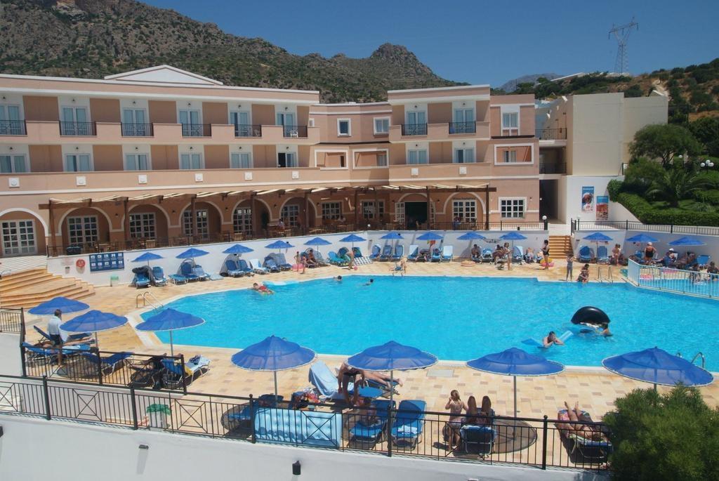 4* Sunshine Crete Village - Ιεράπετρα Κρήτης ? 6 Ημέρες (5 Διανυκτερεύσεις) ? 2 Άτομα ΚΑΙ ένα Παιδί έως 12 ετών ? All Inclusive ? έως 30/06/2018 και 01/09 έως 15/10 ? Ιδιωτική Παραλία!