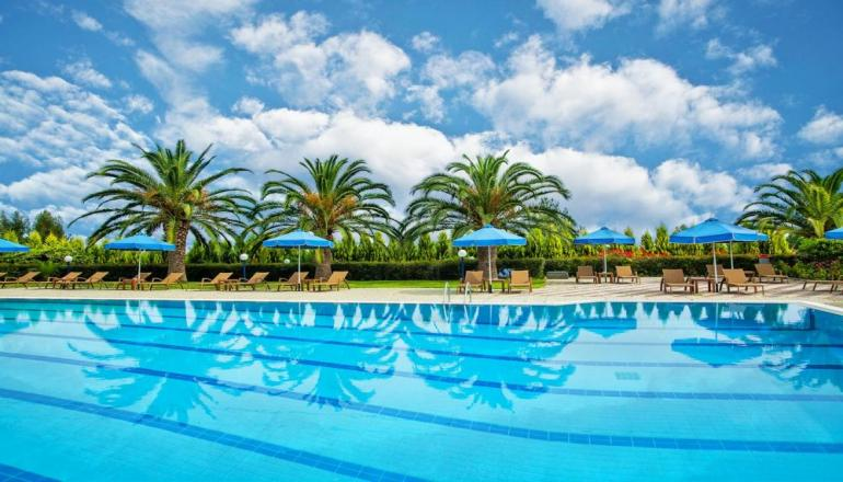 ALL INCLUSIVE το Πασχα στην Χαλκιδικη, στο 4 αστερων Xenios Port Marina του Ομιλου Xenios Ventures Hotels ΚΑΙ για τις 3 ημερες / 2 διανυκτερευσεις KAI για τα 2 Άτομα σε Δικλινο Sea View Δωματιο, μονο με 115€ απο 230€ ( Έκπτωση 50%)! Προσφερεται Πρωινο, Μεσημεριανο και Βραδινο σε Μπουφε, Απεριοριστη Καταναλωση σε Καφε, Τσαι, Αναψυκτικα, Ουζο, Τσιπουρο, Μπυρα, Κρασι, Ποτα και Παγωτο! Ανημερα του Πασχα προσφερεται ουζο και μεζεδακια κατα τ…