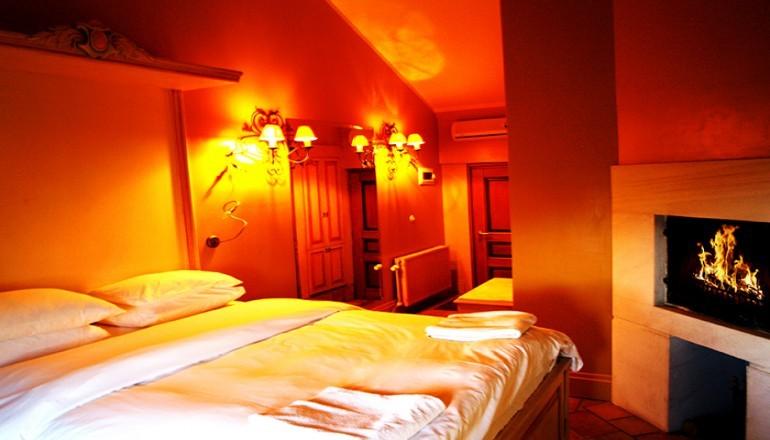 """129€ απο 258€ ( Έκπτωση 50%) ΚΑΙ για τις 3 ημερες / 2 διανυκτερευσεις ΚΑΙ για τα 2 Άτομα ΚΑΙ ενα Παιδι εως 6 ετων, στo κεντρο της γραφικης Μακρινιτσας Πηλιου, στο Παραδοσιακο """"Αρχοντικα Καραμαρλης Boutique Hotel"""" του 17ου αιωνα, σε δικλινο δωματιο με Πρωινο! Παρεχεται Early check in και Late check out κατοπιν διαθεσιμοτητας! Απολαυστε 3 ημερες ανεσης και ξεκουρασης! Υπαρχει δυνατοτητα επιπλεον διανυκτερευσης!"""
