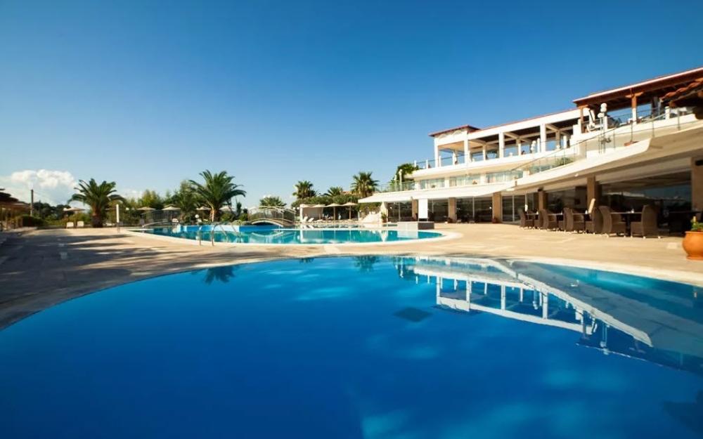 5* Alexandros Palace Hotel & Suites - Χαλκιδική, Ουρανούπολη   4 Ημέρες (3 Διανυκτερεύσεις)   2 άτομα + 1 παιδί έως 2 ετών   Πλήρης Διατροφή   01/08/2019 έως 25/08/2019   Free WiFi