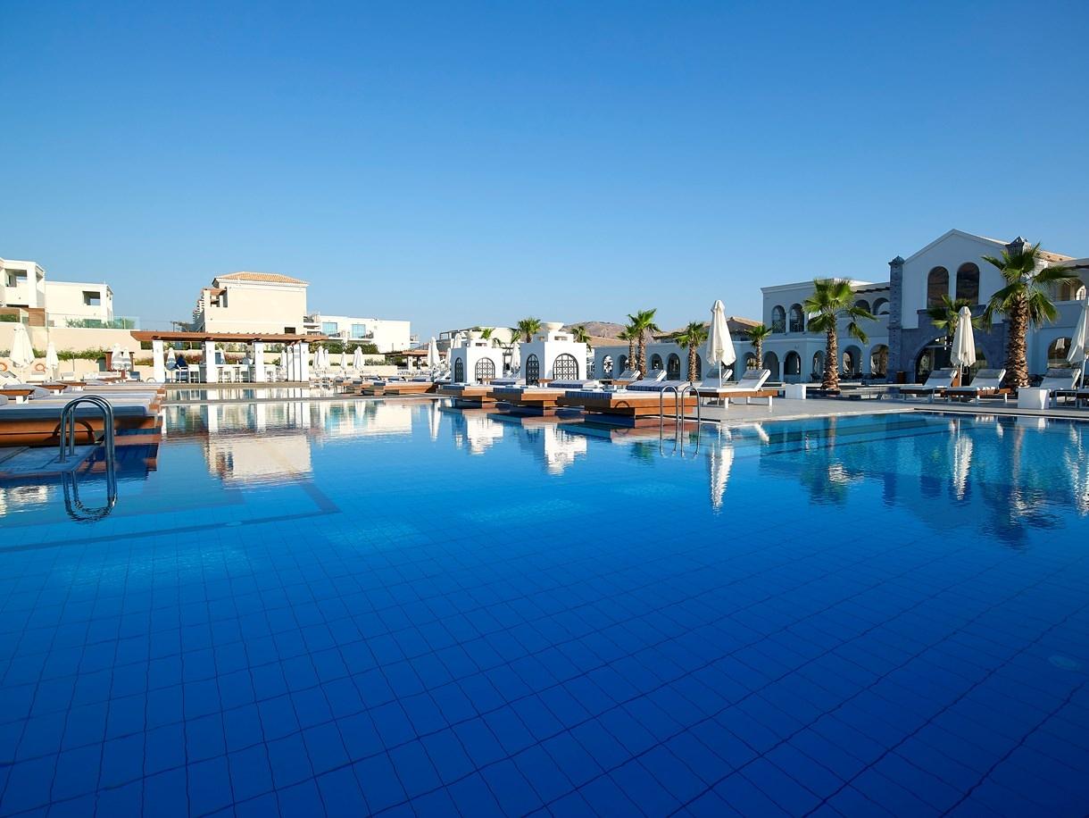 5* Anemos Luxury Grand Resort – Γεωργιουπολη Χανιων ✦ 8 Ημερες (7 Διανυκτερευσεις) ✦ 2 Άτομα ✦ Ημιδιατροφη ✦ 01/08/2018 εως 21/08/2018 ✦ Μπροστα στην Παραλια!