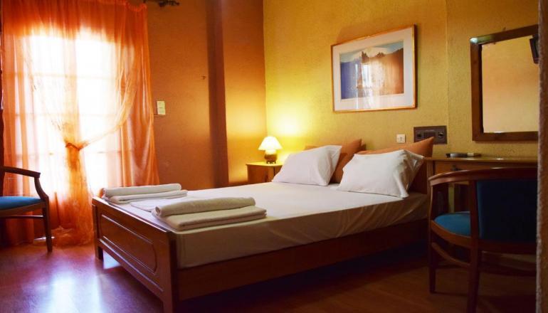 55€ από 95€ ( Έκπτωση 42%) ΚΑΙ για τις 2 ημέρες / 1 διανυκτέρευση ΚΑΙ για τα 2 Άτομα ΚΑΙ ένα Παιδί έως 8 ετών σε δίκλινο δωμάτιο με Πρωινό, στο Ξυλόκαστρο, στο Art & Spa Hotel Villa Creoli! Προσφέρεται μια Φιάλη Κρασί για καλωσόρισμα! Υπάρχει δυνατότητα επιπλέον διανυκτερεύσεων!