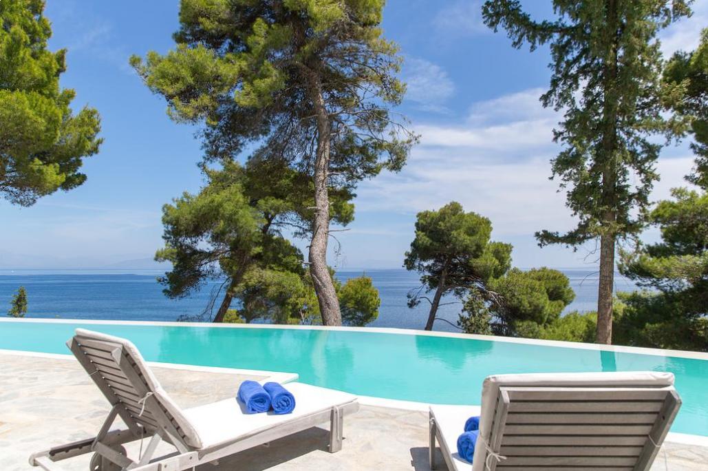 5* Corfu Holiday Palace - Κερκυρα, Κανονι ✦ 2 Ημερες (1 Διανυκτερευση) ✦ 2 ατομα ✦ Ημιδιατροφη ✦ 01/09/2019 εως 30/09/2019 ✦ Υπεροχη Τοποθεσια!