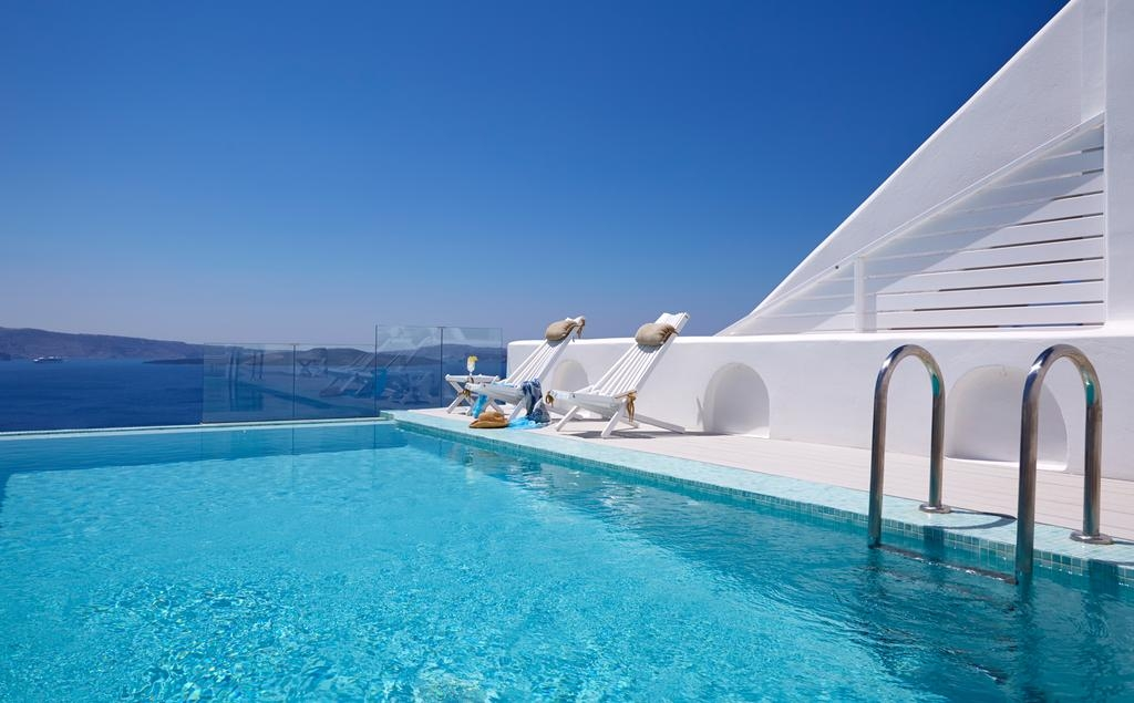 5* Filotera Suites Santorini - Σαντορίνη ? -54% ? 2 Ημέρες (1 Διανυκτέρευση) ? 2 άτομα ? Πρωινό ? έως 31/10/2019 ? Early check in και Late check out κατόπιν διαθεσιμότητας!