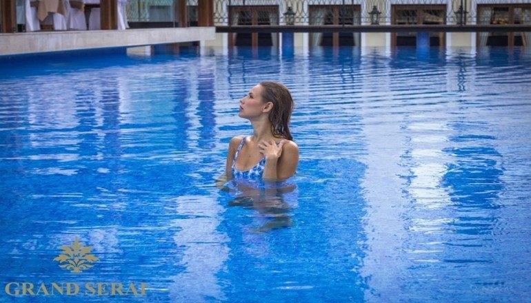 5* Grand Serai Hotel - Ιωάννινα ✦ 3 Ημέρες (2 Διανυκτερεύσεις) ✦ 2 Άτομα ΚΑΙ Παιδί έως 6 ετών ✦ Ημιδιατροφή ✦ Αγίου Πνεύματος (14/06/2019 έως 17/06/2019) ✦ Εξωτερική Πισίνα!