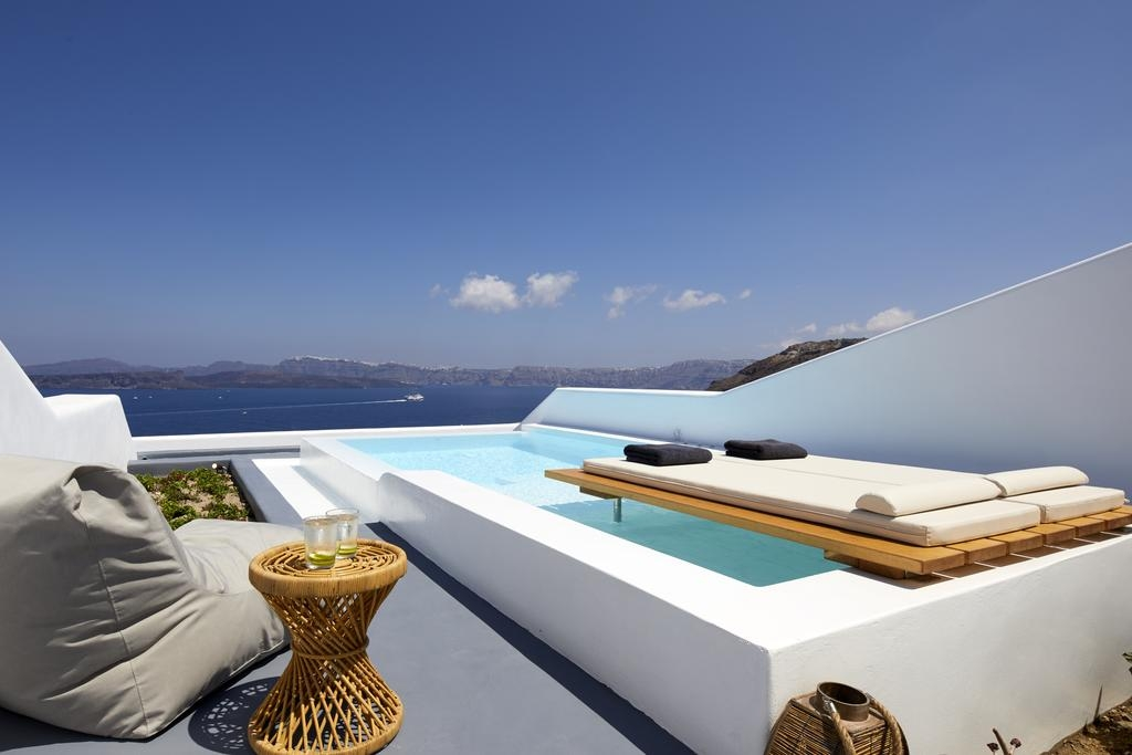 5* Phos the Boutique - Luxury Villas & Suites Santorini - Σαντορίνη ? -30% ? 2 Ημέρες (1 Διανυκτέρευση) ? 2 άτομα ? Πρωινό ? 01/10/2019 έως 31/10/2019 ? Early check in και Late check out κατόπιν διαθεσιμότητας!
