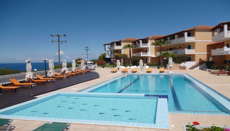Αποδραστε στην Ζακυνθο στο 4 αστερων Matilda Hotel για 4 ημερες / 3 διανυκτερευσεις KAI για τα 2 Άτομα, με Ημιδιατροφη (Πρωινο και Βραδινο σε Μπουφε) σε Double Room Pool View! Υπαρχει δυνατοτητα επιπλεον διανυκτερευσεων!
