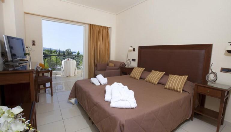 4* Akti Taygetos Conference Resort - Καλαμάτα - Πρωτοχρονιά στο 4 αστέρων Akti Taygetos Conference Resort, στην Καλαμάτα! Απολαύστε 3 ημέρες / 2 διανυκτερεύσεις ΚΑΙ για τα 2 Άτομα ΚΑΙ ένα Παιδί έως 12 ετών με Ημιδιατροφή (Πρωινό σε Μπουφέ και Βραδινό) σε δίκλινο δωμάτιο, μόνο με 219€ από 438€ ( Έκπτωση 50%)! Παραμονή και Ανήμερα της Πρωτοχρονιάς παρέχεται Εορταστικό