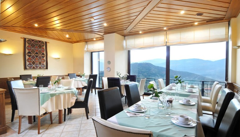 Deluxe Hotel Anesis - Καρπενήσι ✦ -25% ✦ 3 Ημέρες (2 Διανυκτερεύσεις) ✦ 2 άτομα + 1 παιδί έως 5 ετών ✦ Πρωινό ✦ έως 30/09/2020 ✦ Early check in στις 10:00 και Late check out στις 18:00 κατόπιν διαθεσιμότητας!