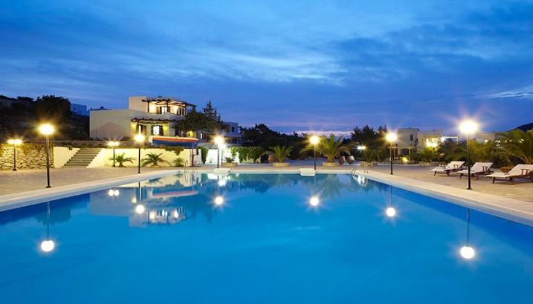 Πάσχα στην Νάξο, στο Kedros Villas! Απολαύστε 4 ημέρες / 3 διανυκτερεύσεις KAI για τα 2 Άτομα ΚΑΙ ένα Παιδί έως 12 ετών σε Suite με Θέα Θάλασσα και Πρωινό, μόνο με 259€ από 518€ (Έκπτωση 50%)! Παρέχεται Early check in στις 10:00 και Late check out στις 18:00 για να απολαύσετε 4 γεμάτες ημέρες! Υπάρχει δυνατότητα επιπλέον διανυκτέρευσης!