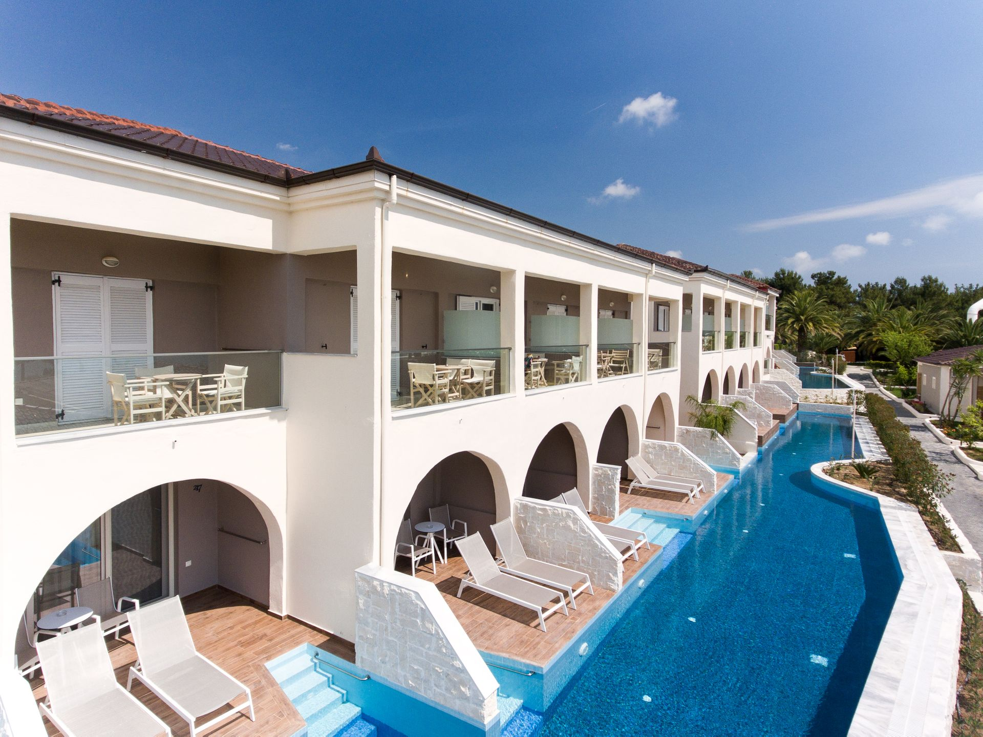 4* Alexandra Beach Thassos Spa Resort - Θασος ✦ -20% ✦ 4 Ημερες (3 Διανυκτερευσεις) ✦ 2 ατομα + 1 παιδι εως 2 ετων ✦ Ημιδιατροφη ✦ 06/09/2020 εως 30/09/2020 ✦ Free WiFi