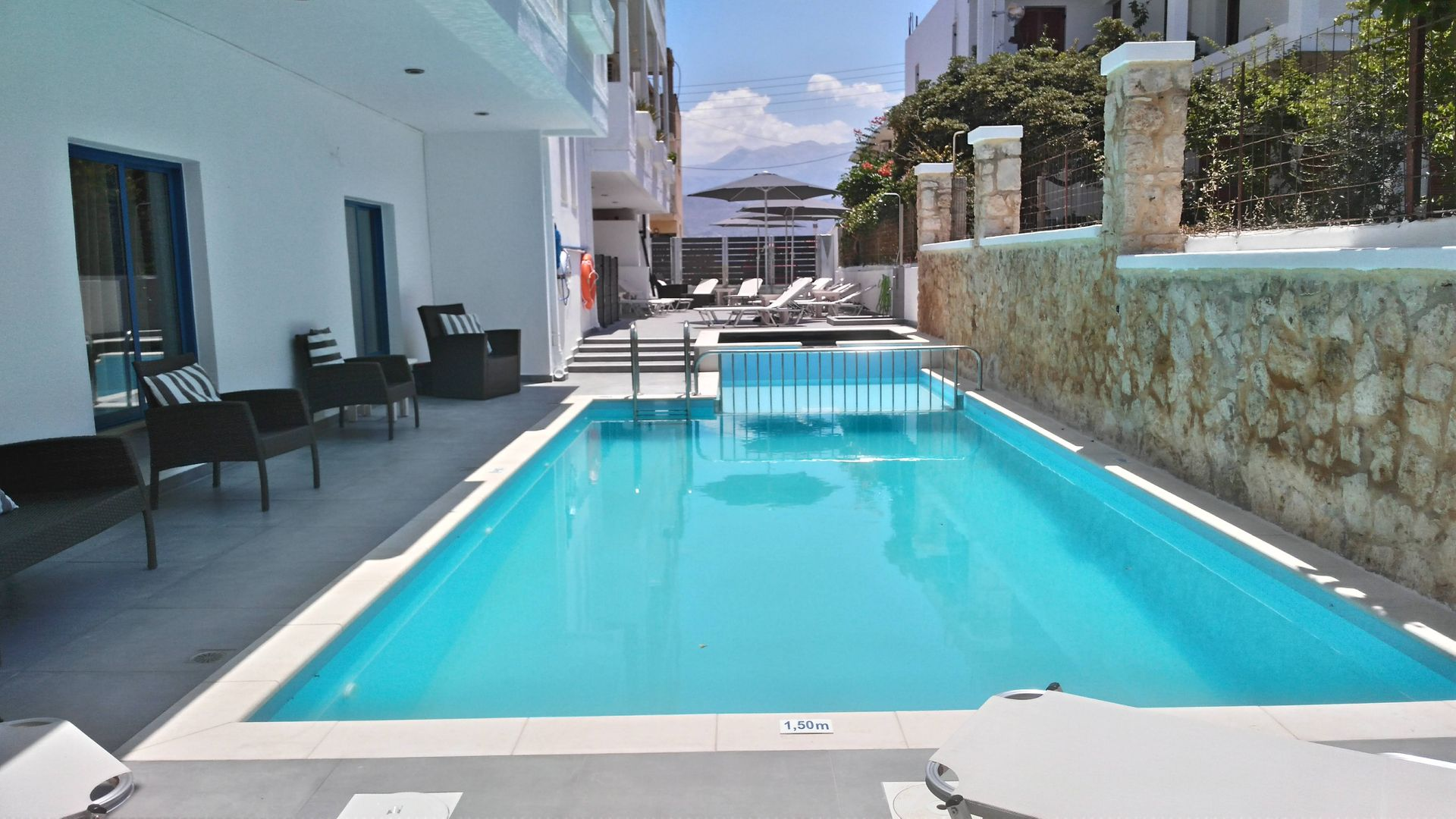 Alexis Hotel - Χανιά, Κρήτη ✦ 8 Ημέρες (7 Διανυκτερεύσεις) ✦ 2 άτομα + 1 παιδί έως 6 ετών ✦ Χωρίς Πρωινό ✦ 01/09/2021 έως 30/09/2021 ✦ Κοντά σε παραλία!
