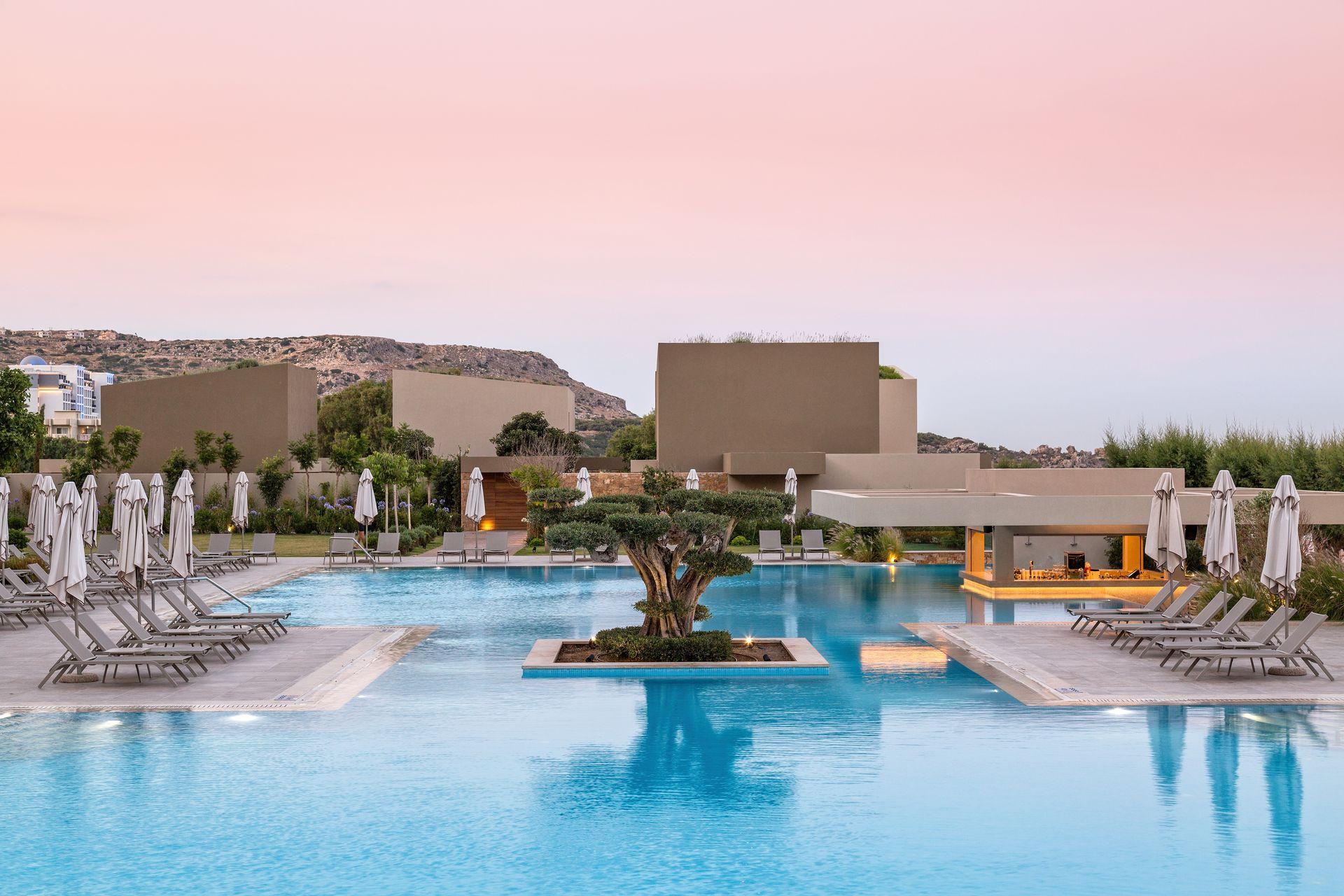 5* Amada Colossos Resort - Φαληράκι, Ρόδος ✦ 2 Ημέρες (1 Διανυκτέρευση) ✦ 2 άτομα + 1 παιδί έως 12 ετών ✦ Πρωινό ✦ 01/07/2021 έως 31/08/2021 ✦ Μπροστά στην Παραλία!