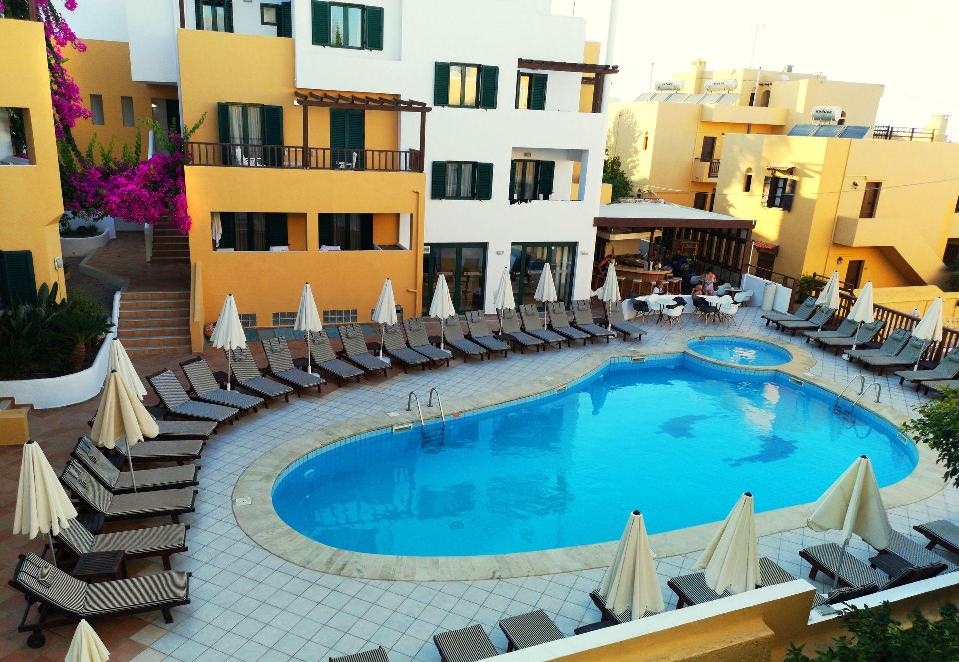 Elmi Suites - Χερσόνησος, Κρήτη ✦ 2 Ημέρες (1 Διανυκτέρευση) ✦ 2 άτομα ✦ Ημιδιατροφή ✦ 30/08/2020 έως 26/09/2020 ✦ Free WiFi!