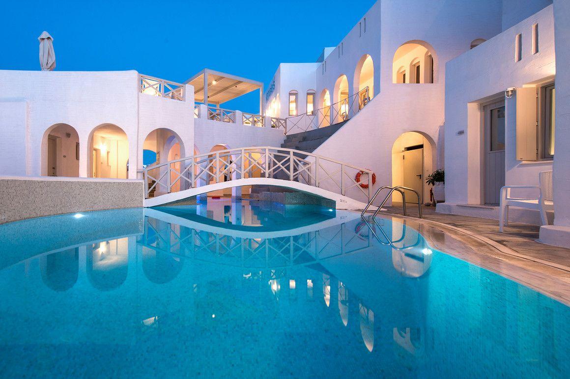 4* Kanale's Rooms & Suites - Πάρος ✦ 2 Ημέρες (1 Διανυκτέρευση) ✦ 2 άτομα ✦ Πρωινό ✦ 01/09/2021 έως 30/09/2021 ✦ Κοντά σε παραλία!