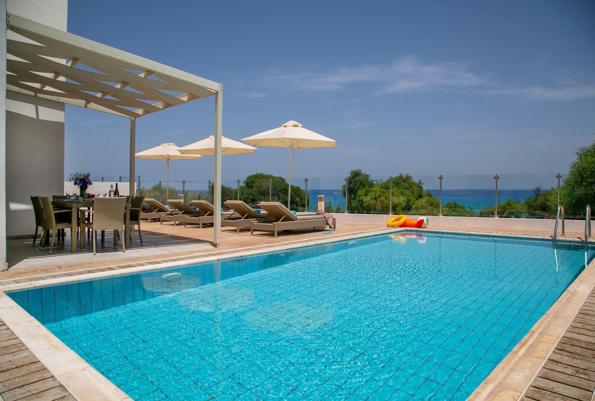 Louis Althea Kalamies - Κύπρος ✦ 4 Ημέρες (3 Διανυκτερεύσεις) ✦ 6 άτομα ✦ Χωρίς Πρωινό ✦ 01/09/2021 έως 30/09/2021 ✦ Μπροστά στην παραλία!