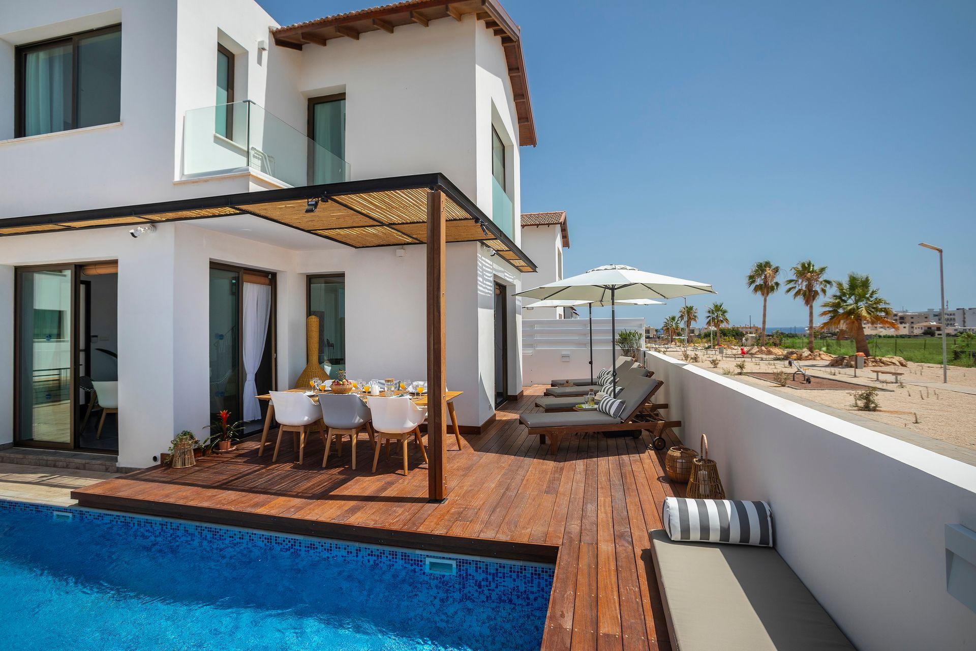 Louis Chris Le Mare Villa Protaras - Κύπρος ✦ 6 Ημέρες (5 Διανυκτερεύσεις) ✦ 6 άτομα ✦ Χωρίς Πρωινό ✦ 01/06/2021 έως 30/09/2021 ✦ Υπέροχη Τοποθεσία!