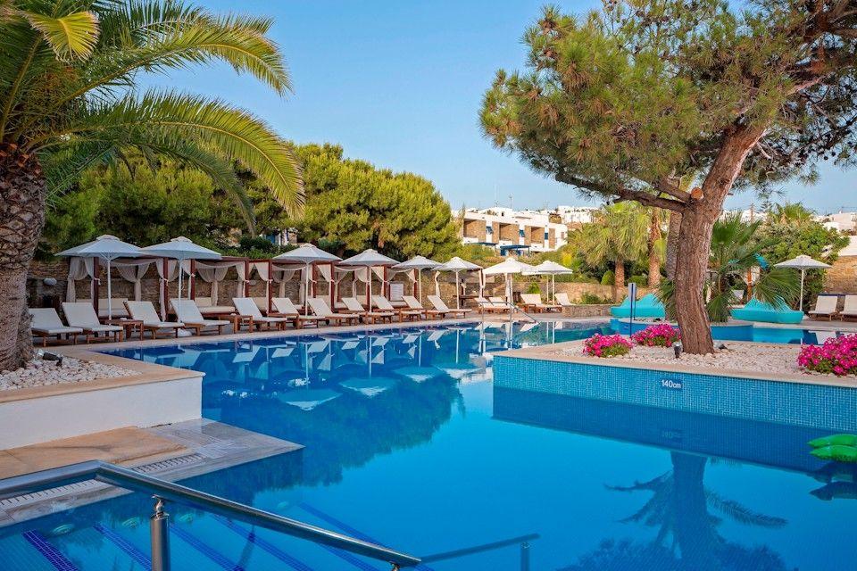 Mykonos Theoxenia Boutique Hotel - Μύκονος ✦ 2 Ημέρες (1 Διανυκτέρευση) ✦ 2 άτομα ✦ Πρωινό ✦ 01/07/2021 έως 31/08/2021 ✦ Στην καρδιά της Χώρας της Μυκόνου!