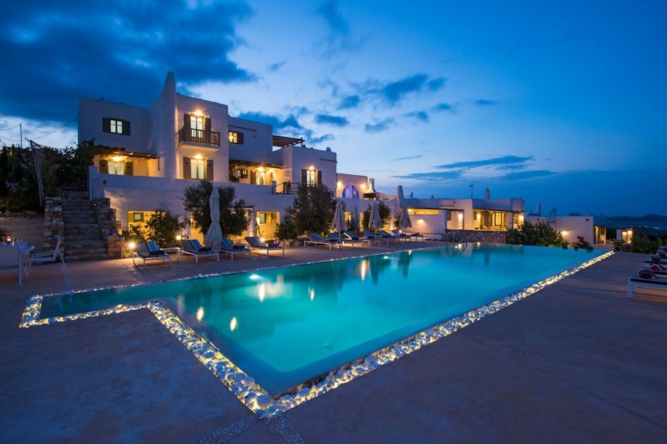 4* Naoussa Hills Boutique Resort - Πάρος ? 2 Ημέρες (1 Διανυκτέρευση) ? 2 άτομα ? Πρωινό ? 01/07/2020 έως 31/08/2020 ? Free WiFi