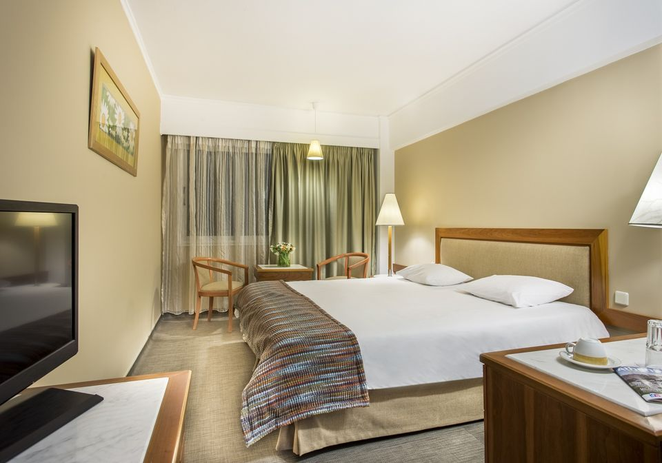 4* Airotel Alexandros Hotel - Αθήνα ✦ -27% ✦ 2 Ημέρες (1 Διανυκτέρευση) ✦ 2 άτομα ✦ Πρωινό ✦ 01/09/2020 έως 30/09/2020 ✦ Υπηρεσίες μεταφοράς από/προς Αεροδρόμιο/Λιμάνι