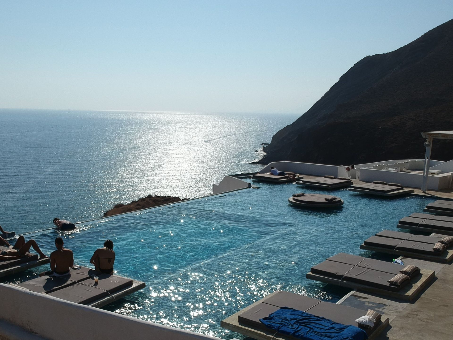 Golden Beach Resort Anafi - Ανάφη   2 Ημέρες (1 Διανυκτέρευση)   2 άτομα   Πρωινό   έως 31/08/2019   Free WiFi