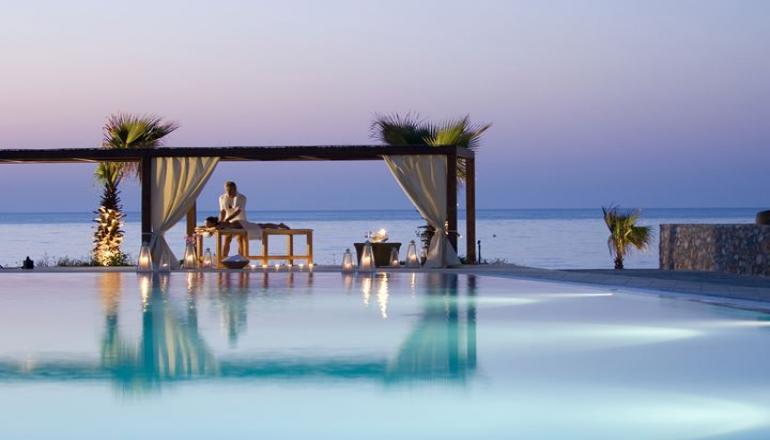 Πασχα στο 5 αστερων Ikaros Beach Luxury Resort & Spa, στα Μαλια Κρητης! Απολαυστε 4 ημερες / 3 διανυκτερευσεις KAI για τα 2 Άτομα KAI 2 Παιδια, ενα εως 12 ετων και ενα εως 2 ετων, με Ημιδιατροφη (Πρωινο και Βραδινο σε Μπουφε) σε δικλινο δωματιο με Θεα Θαλασσα, μονο με 350€ απο 700€ (Έκπτωση 50%)! Ανημερα του Πασχα προσφερεται Ουζακι και Ρακι με Μεζεδακια κατα το παραδοσιακο ψησιμο του οβελια και Πλουσιος Εορταστικος Μπουφες! Προσφερεται…