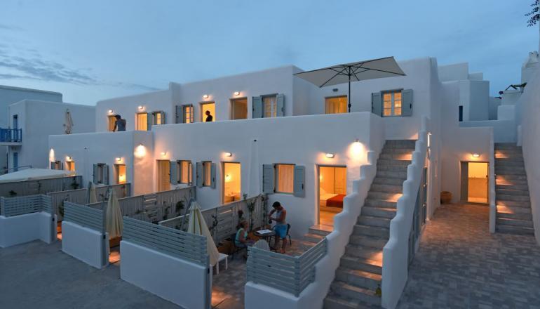 119€ από 238€ ( Έκπτωση 50%) ΚΑΙ για τις 3 ημέρες / 2 διανυκτερεύσεις KAI για τα 2 Άτομα, στο 4 αστέρων Porto Naoussa Hotel στην Νάουσα της Πάρου, με Πρωινό σε δίκλινο δωμάτιο! Προσφέρεται Ποτό Καλωσορίσματος, Μεταφορά από και προς το αεροδρόμιο ή το λιμάνι καθώς Early check in και Late check out κατόπιν διαθεσιμότητας! Για όσους πραγματοποιήσουν τη διαμονή τους από Κυριακή έως Πέμπτη δίδεται μια επιπλέον διανυκτέρευση Δωρεάν! Υπάρχει δυνατότητα επιπλέον διανυκτέρευσης! Η προσφορά ισχύει ΚΑΙ για του Αγίου Πνεύματος! εικόνα