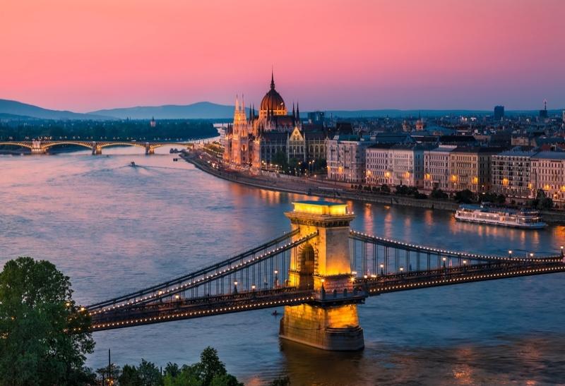 9 Ημέρες Οδικώς - Βουδαπέστη / Πράγα / Βιέννη ? 9 Ημέρες (8 Διανυκτερεύσεις) ? 1 άτομο ? Ημιδιατροφή ? 29/02/2020 έως 29/03/2020 ? Πολυτελές κλιματιζόμενο πούλμαν !