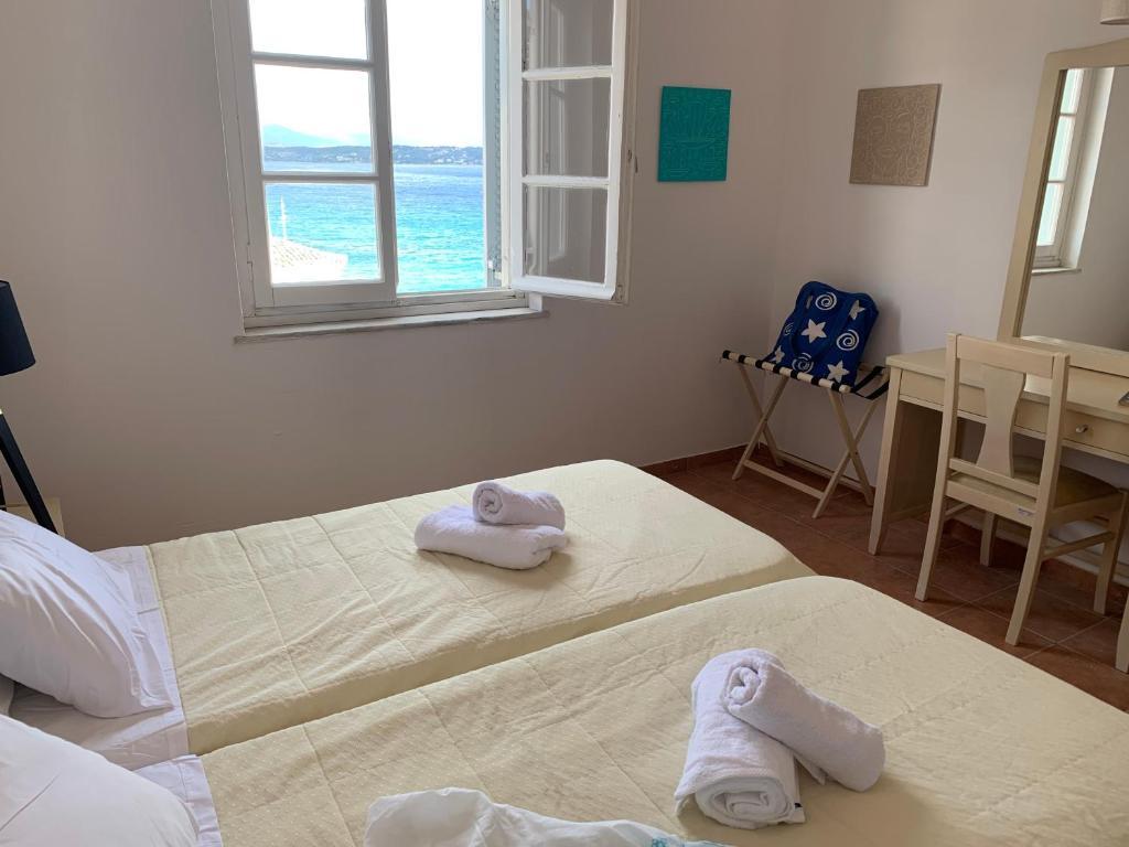 Α Hotel - Σπέτσες ✦ -40% ✦ 6 Ημέρες (5 Διανυκτερεύσεις) ✦ 2 άτομα ✦ Ένα Γεύμα ✦ 26/07/2021 έως 20/08/2021 ✦ Μπροστά στην Παραλία!