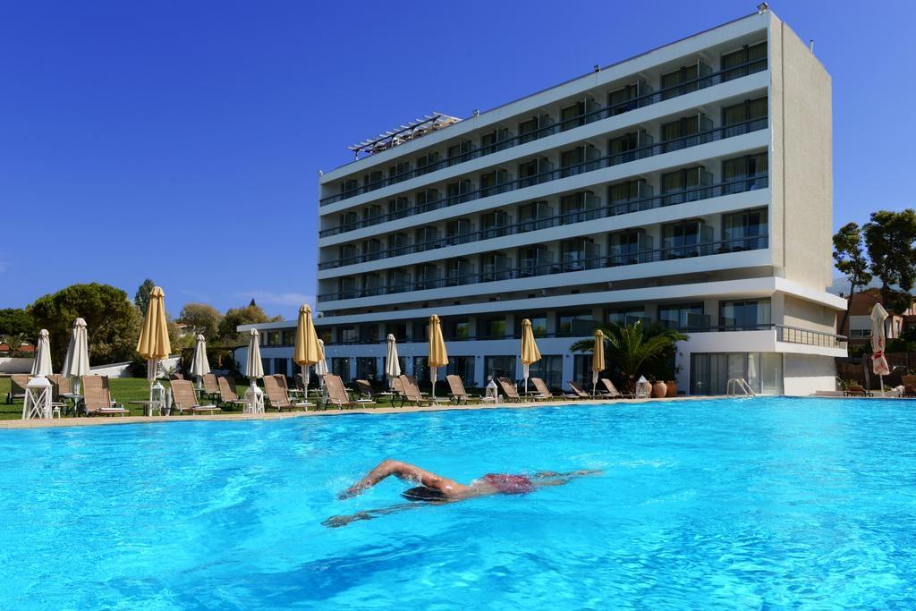 4* Airotel Achaia Beach Hotel - Πατρα ✦ 2 Ημερες (1 Διανυκτερευση) ✦ 2 ατομα ✦ All Inclusive ✦ 01/10/2019 εως 31/10/2019 ✦ Ξαπλωστρες και ομπρελες πισινας