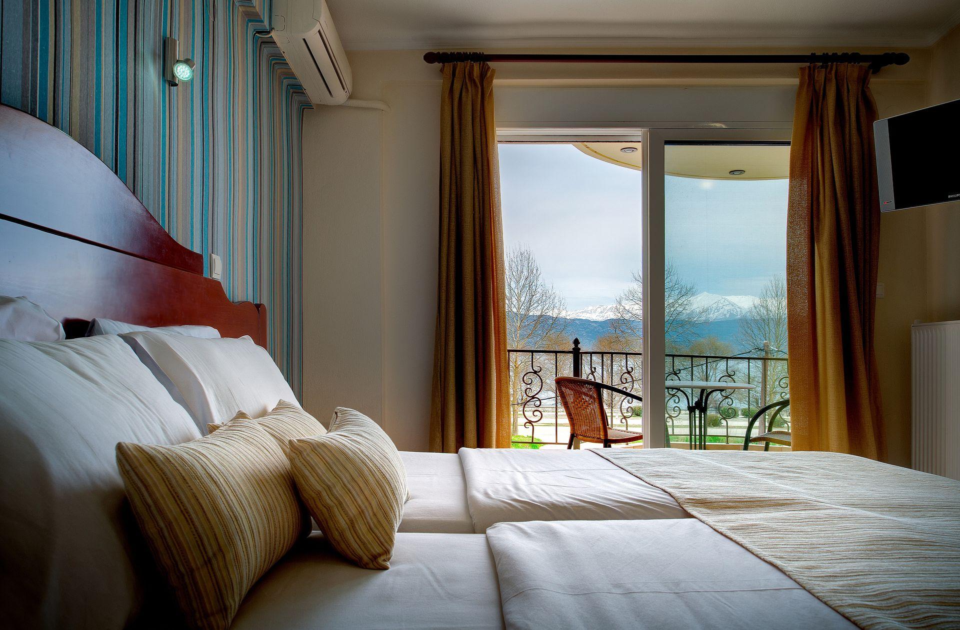 Akti Hotel - Ιωάννινα ✦ 2 Ημέρες (1 Διανυκτέρευση) ✦ 2 άτομα ✦ Πρωινό ✦ Χριστούγεννα & Πρωτοχρονιά (24/12/2020 έως 03/01/2021) ✦ Σε απόσταση αναπνοής από την καταπράσινη λίμνη Παμβώτιδα!